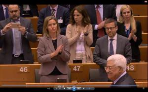 Stehender Applaus nach der Rede von Abbas