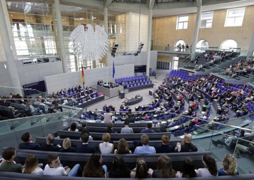 Parlamentsbeschluss: Bundestag verurteilt Annexionspläne – In einer Sitzung des Deutschen Bundestages kritisieren die Abgeordneten die israelischen Annexionspläne. Strafmaßnahmen gegen Israel wird es jedoch nicht geben. | Israelnetz.com